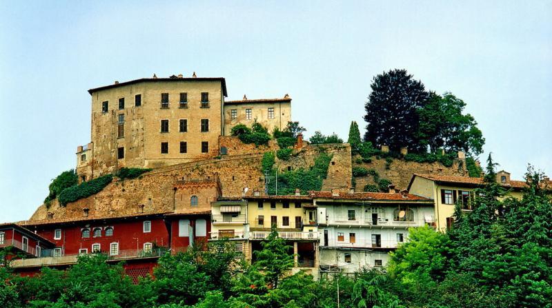 Castelli e torri medievali in piemonte - Castello di casanova elvo ...