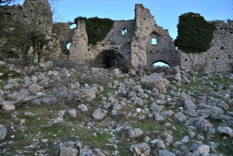 Letto A Castello Prezzi : Castello di olevano sul tusciano campania