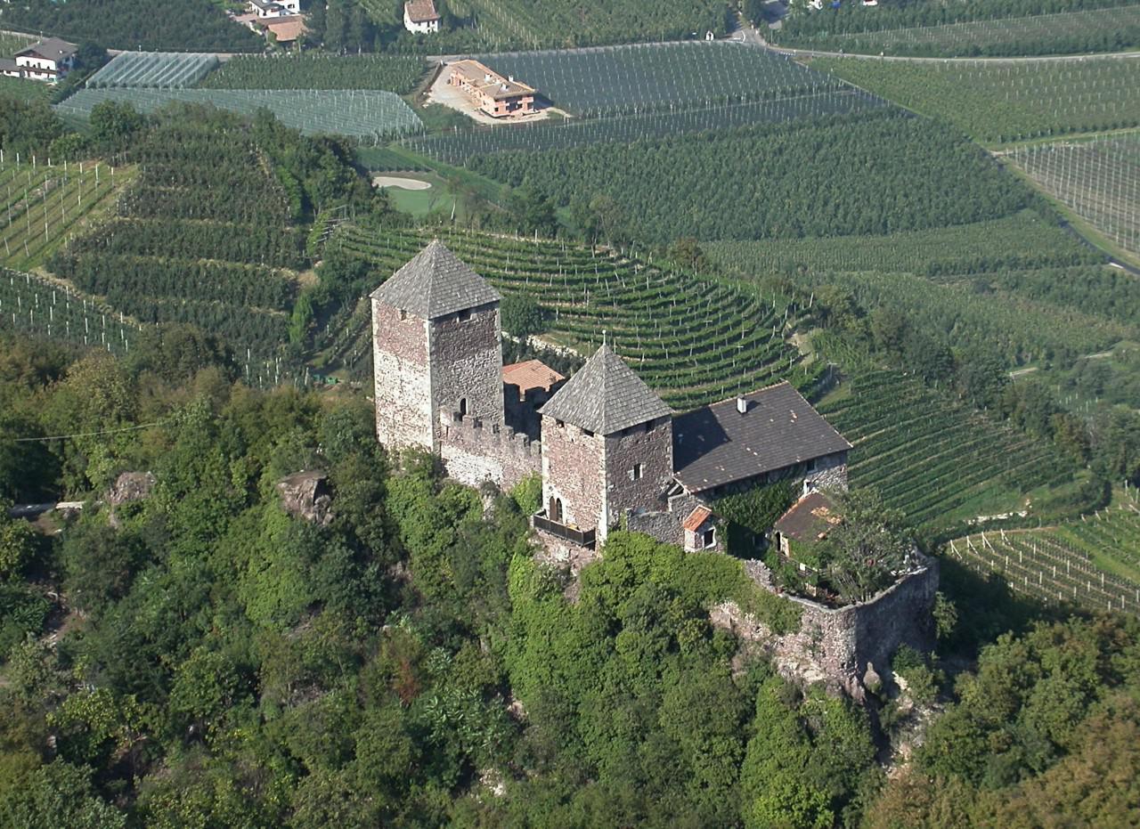 Comune Di Lana Bz castelli e torri nel comune di lana