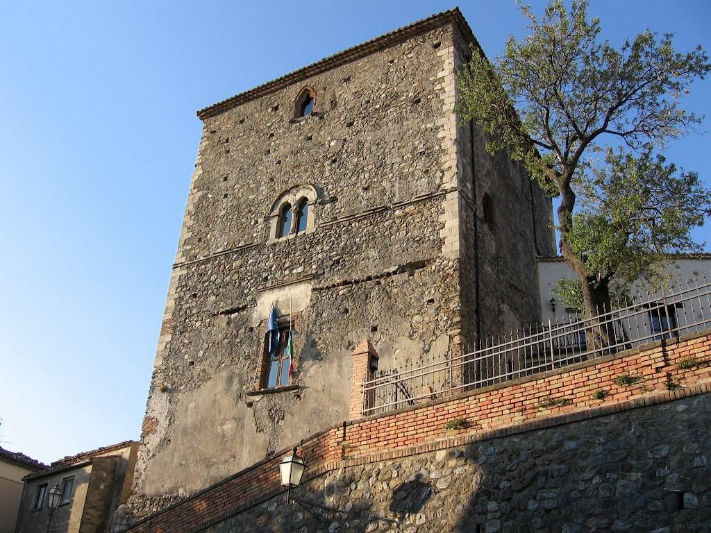 Castello Di Altomonte