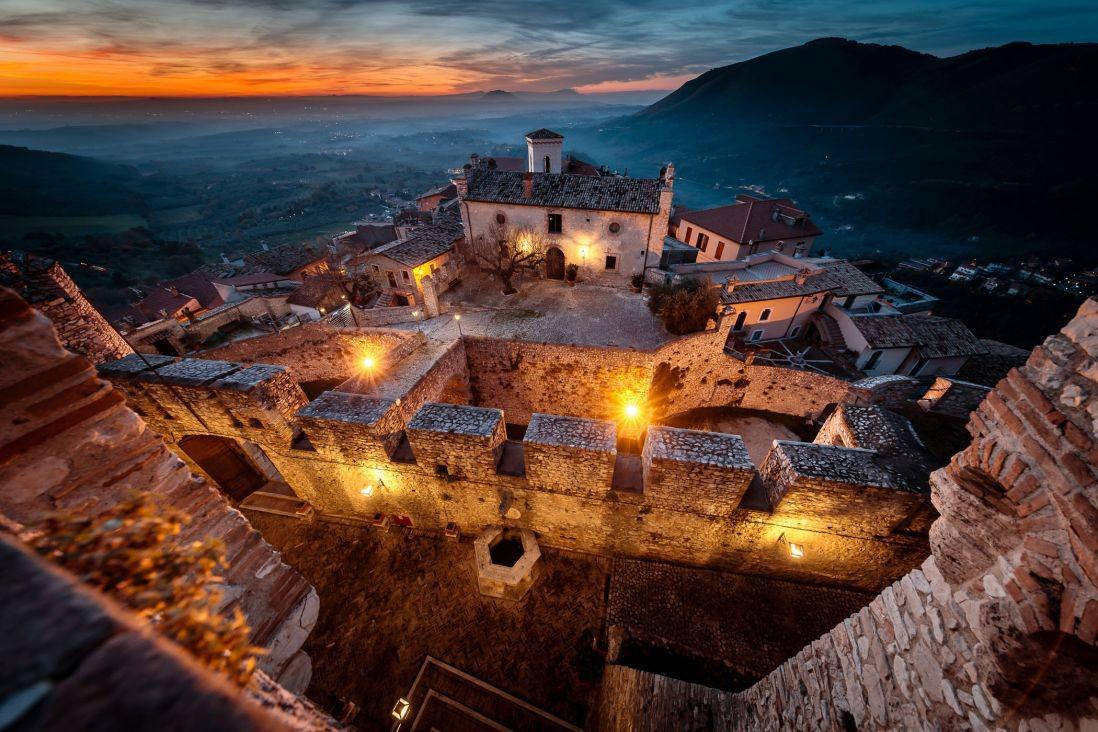 Letto A Castello Lazio.Castello Orsini Di Nerola Lazio Nerola